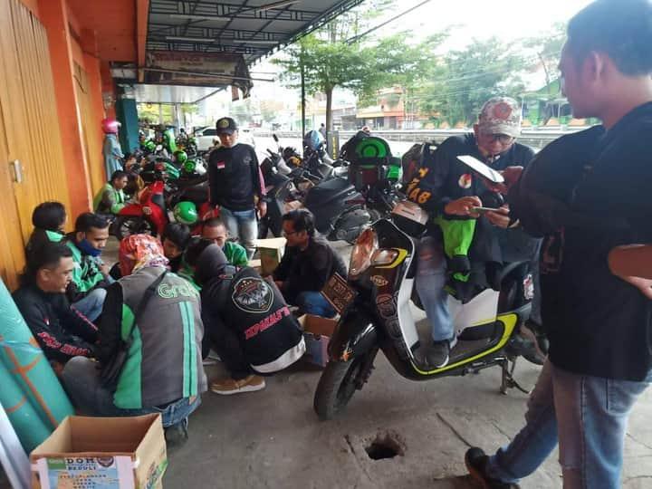 Driver Ojol Makassar Bekerjasama dengan Dewan Pimpinan Daerah Tim Khusus Anti Begal Menyalurkan Bantuan Banjir Bandang di Luwu Utara