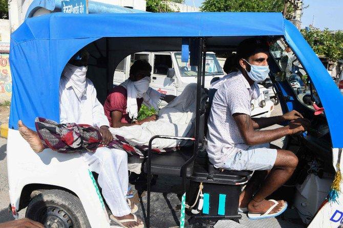 Polisi India menangkap lusinan penjual, setelah alkohol tercemar membunuh 69 orang
