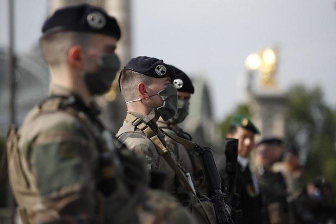 Prancis mengatakan operasi militernya melawan pejuang Islam akan berlanjut di Mali