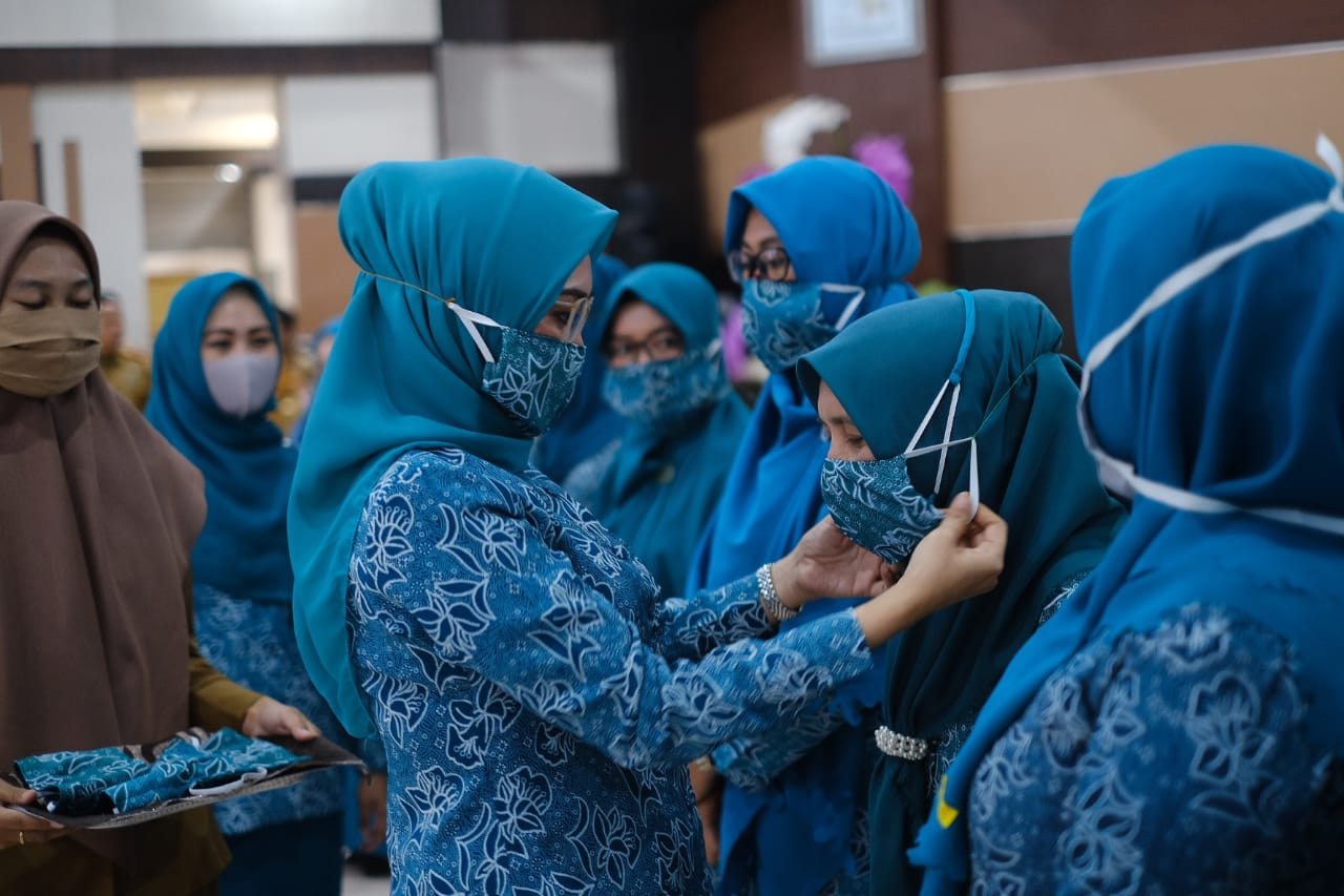 Hamsiah Iksan: TP PKK Siap menjadi garda terdepan dalam Edukasi Covid 19