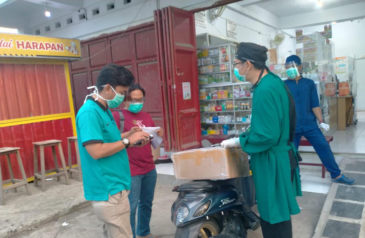 Aesculapius Makassar Kembali Serahkan Bantuan APD Kepada PDUI Jeneponto
