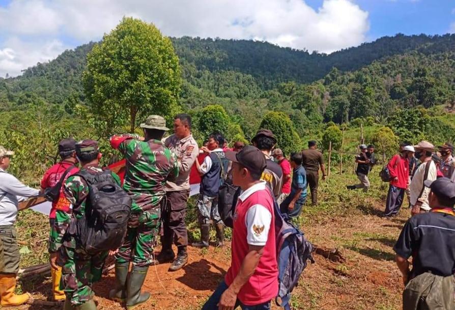 Dusun Mumpe salah satu daerah terpencil yang dihuni mayoritas penduduk asli Kabupaten Banggai (Suku Saluan). Daerah tersebut hingga kini masih kesulitan akses jalur darat. Jarak tempuh dari perkampungan Desa Doda Bunta sekira 8 Kilo meter.