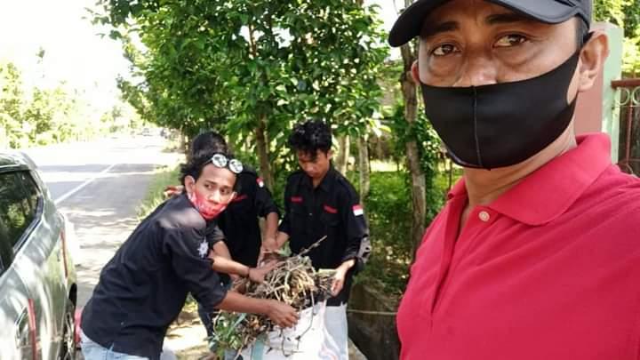 Bersama Warganya, Kepala Desa Tanah Harapan Ambil bagian dalam Aksi Gerakan Bersih-Bersih Sedunia