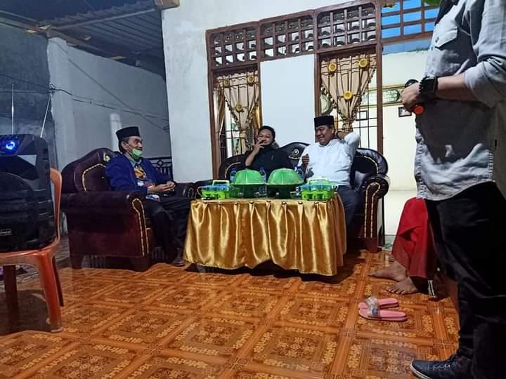 Sosialisasi Dan Silaturahim Asik Di rumah Mantan Kepala Desa Tanah Harapan