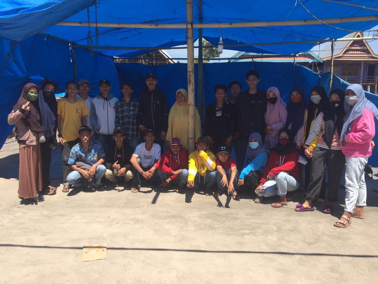 Peduli Korban Kebakaran, Kerukunan Pemuda Desa Maero Salurkan Bantuan di Kalumpang