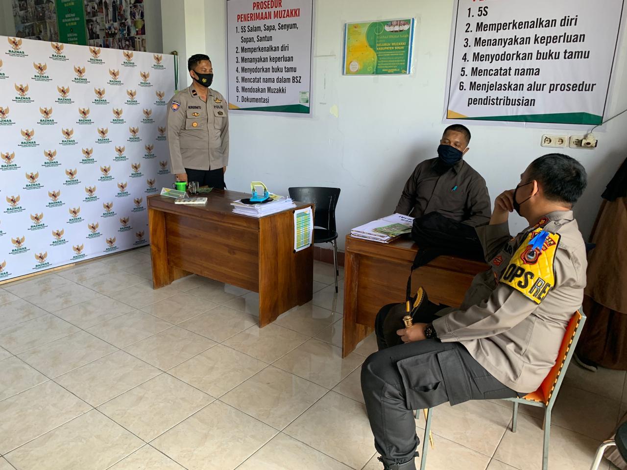 Kapolres Sinjai Tiap Bulan Serahkan Zakat Profesi Personel ke Baznas