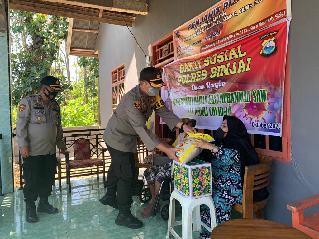 Sambut Maulid Nabi Muhammad SAW, Kapolres Sinjai Gelar Bakti Sosial