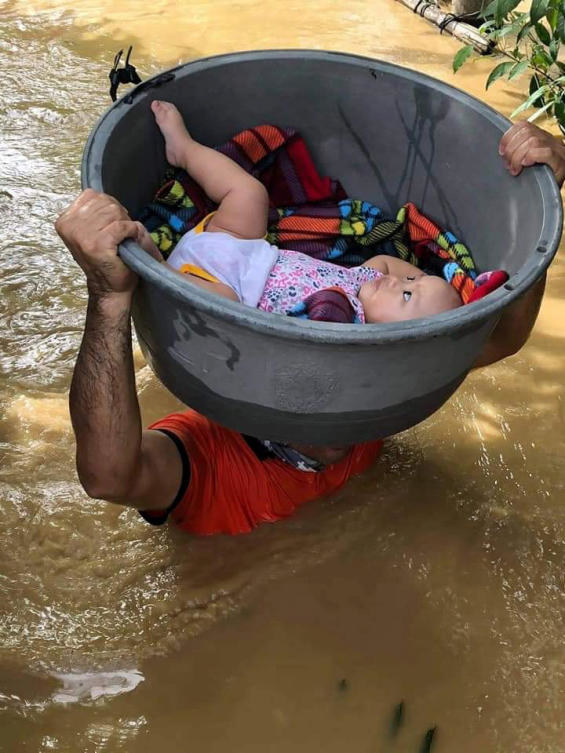 Filipina berjuang untuk menyelamatkan ribuan orang setelah diterjang Topan Vamco
