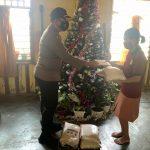 Jelang Perayaan Natal dan Tahun Baru 2021, Kapolres Sinjai Gelar Bakti Sosial di Rumah Pastori Sekaligus Berikan Himbauan