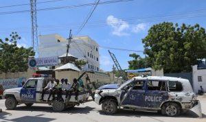 Bom membunuh 12 agen keamanan di Somalia saat para politisi berselisih tentang kepresidenan