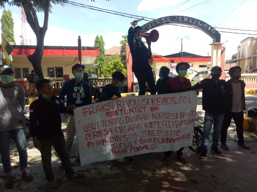 Gelar Aksi, Fraksi Revolusi Keadilan Desak Bupati Jeneponto Copot Kadis Sosial
