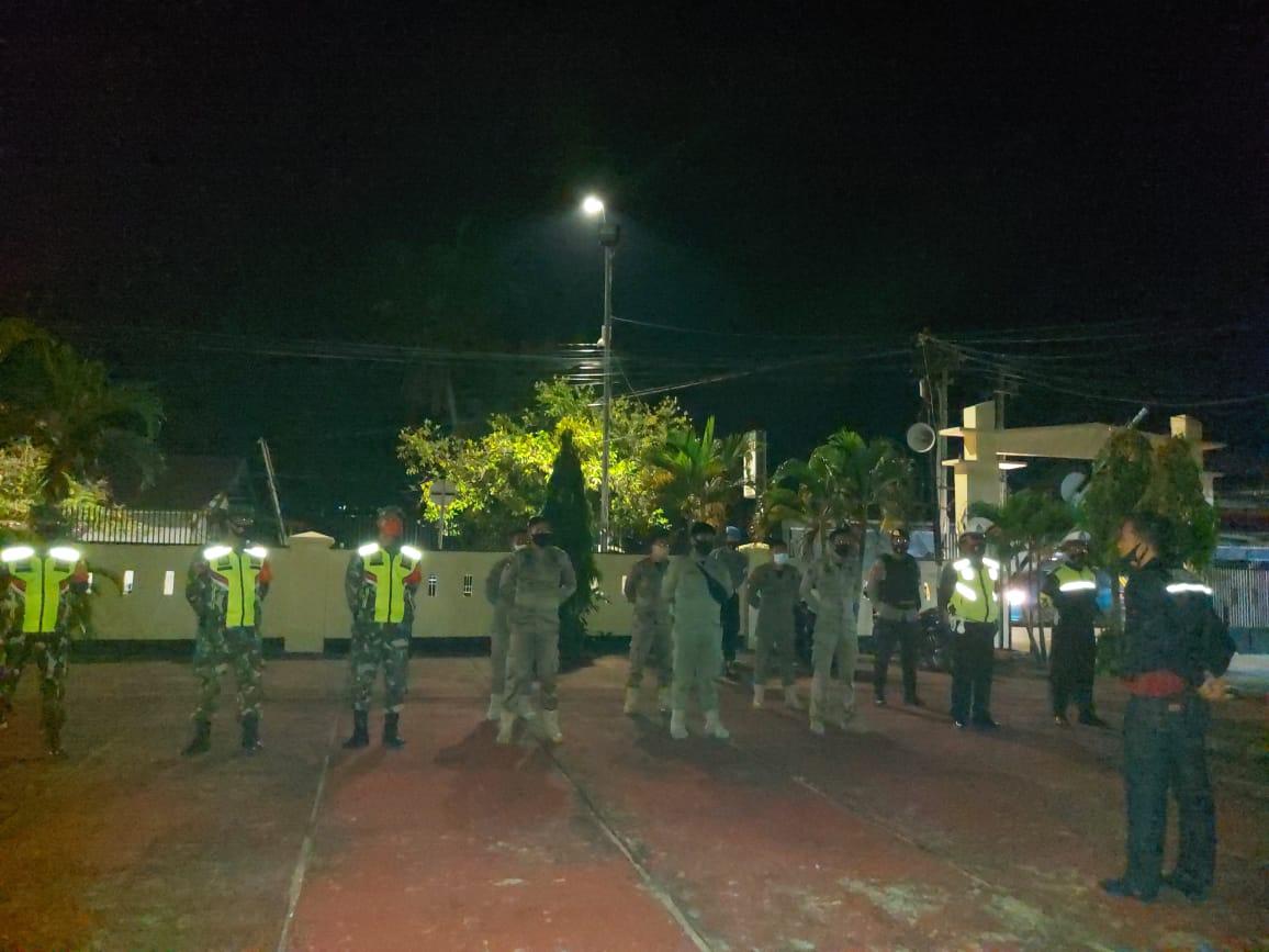Antisipasi Gangguan Kamtibmas dan Tegakkan Prokes, Polres Sinjai Bersama Inkat Gelar Patroli Gabungan