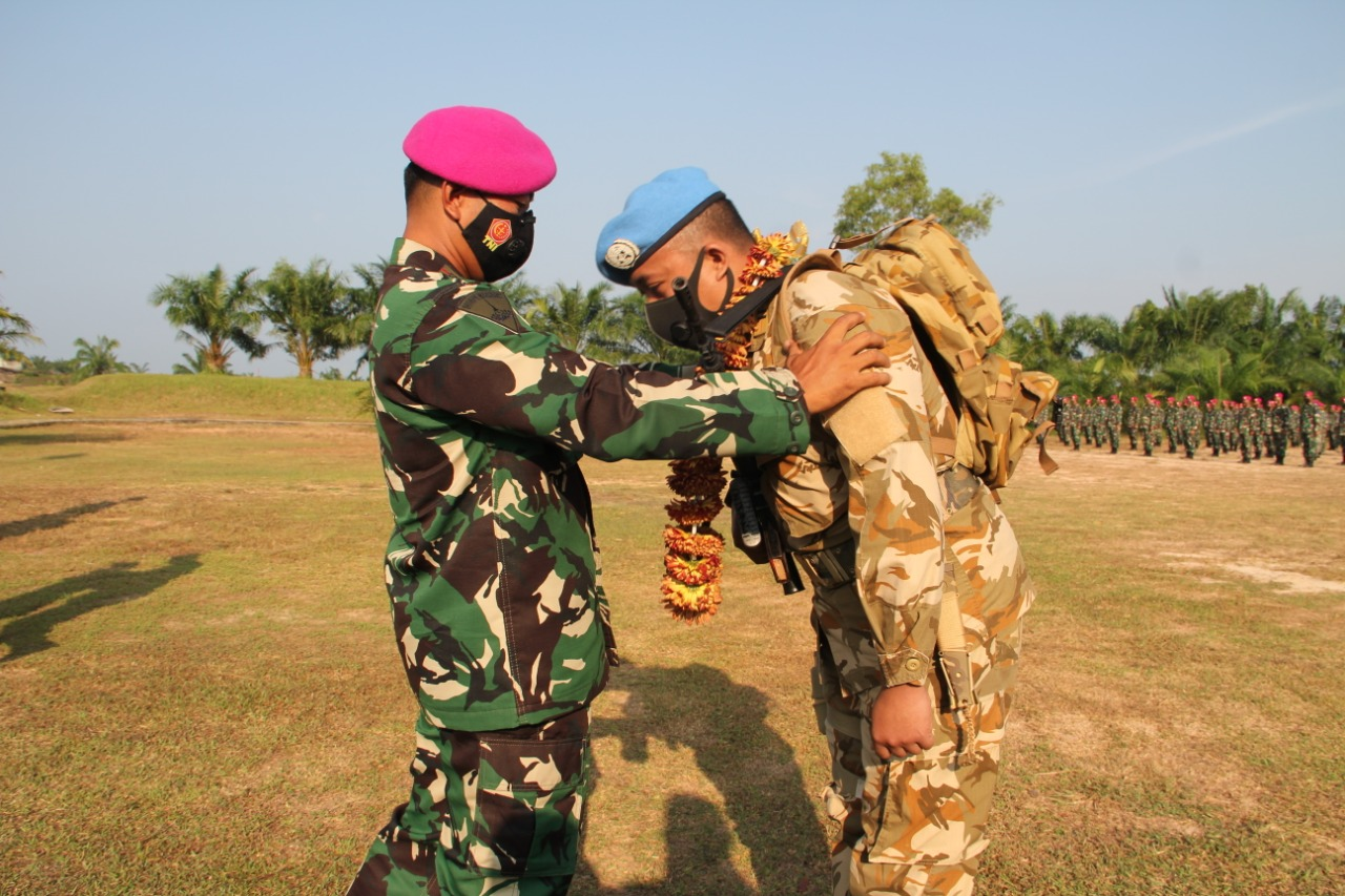 Upacara Penutupan SATGAS TNI Kontingen Garuda Unifil dan SATGAS TNI RDB XXXIX-B Monusco 2020 Batalyon Infanteri 8 Marnir