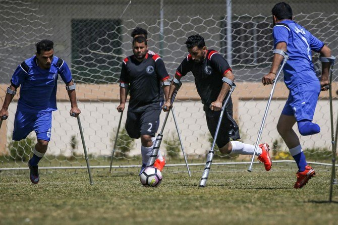 Di Gaza, kehilangan satu kaki tidak menghalangi 'pahlawan' pemain sepak bola