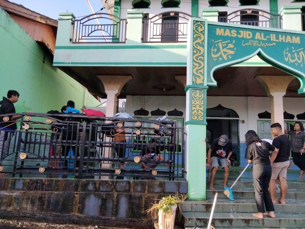 Bangun silahturahmi, BPKel Oi Hidup bersihkan rumah ibadah sebulan sekali di Kota Manado
