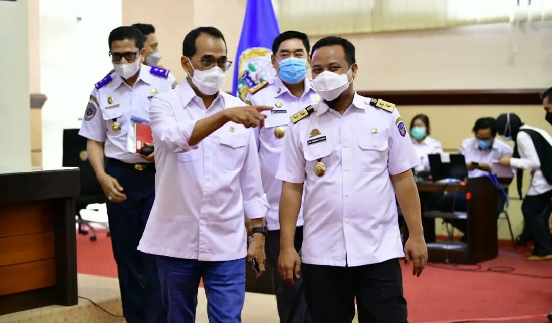 PLT Gubernur Sulsel Komitmen Tuntaskan Jalur Kereta Api Makassar - Parepare