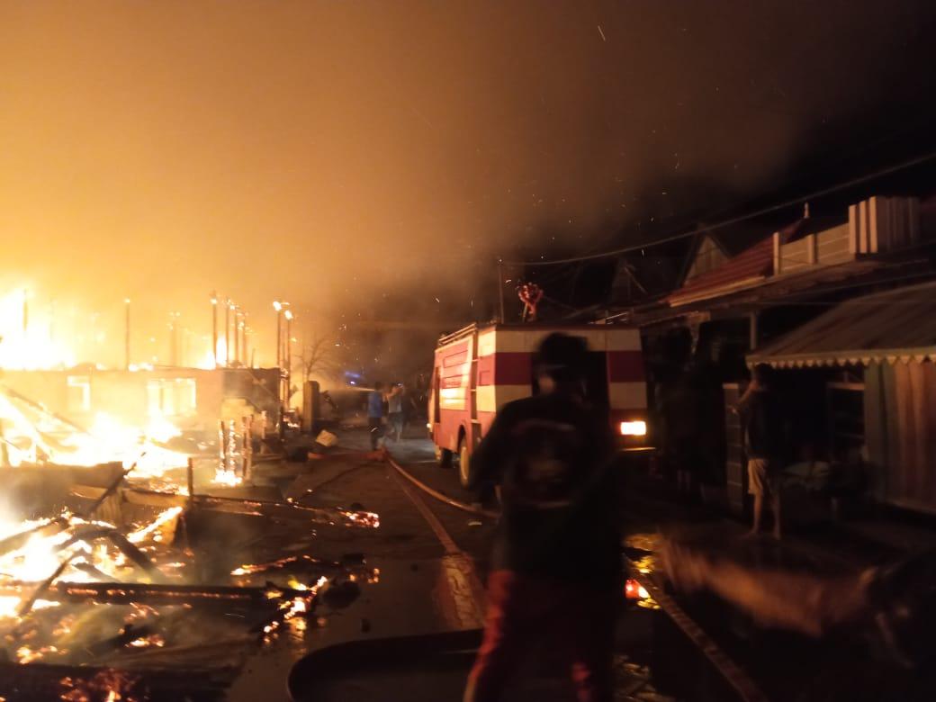 Kebakaran di Bone Hanguskan 10 Unit Rumah dan mengakibatkan 2 Orang meninggal dunia
