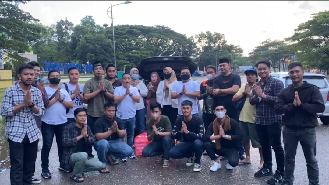 Bersama TAMALAKI, AMPUH Sultra Berbagi Takjil Jelang Buka Puasa
