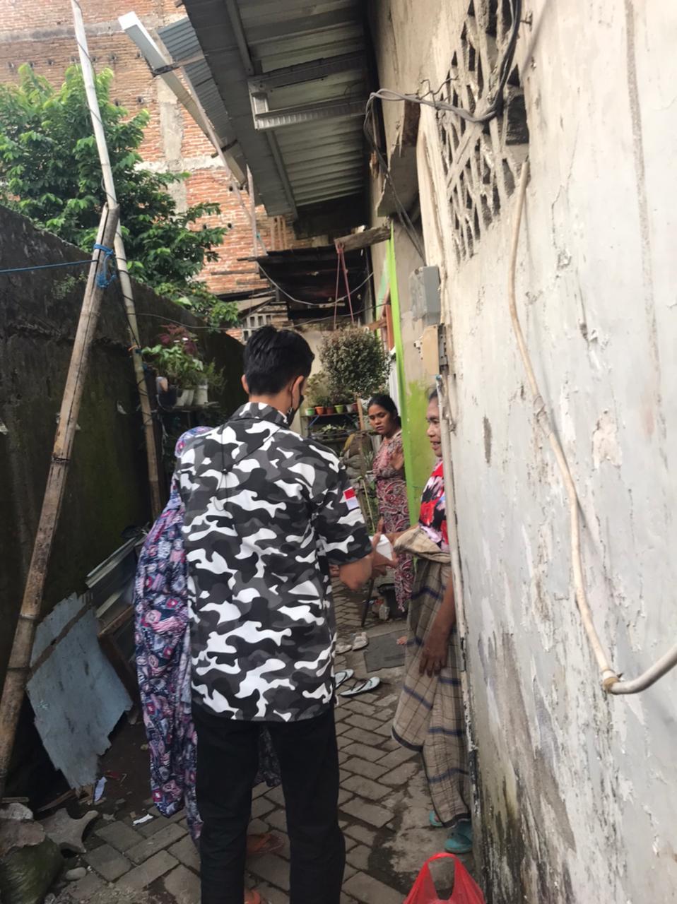 Bagikan Takjil, BAPERA Sulsel Sasar Pemukiman Kumuh dan Panti Asuhan
