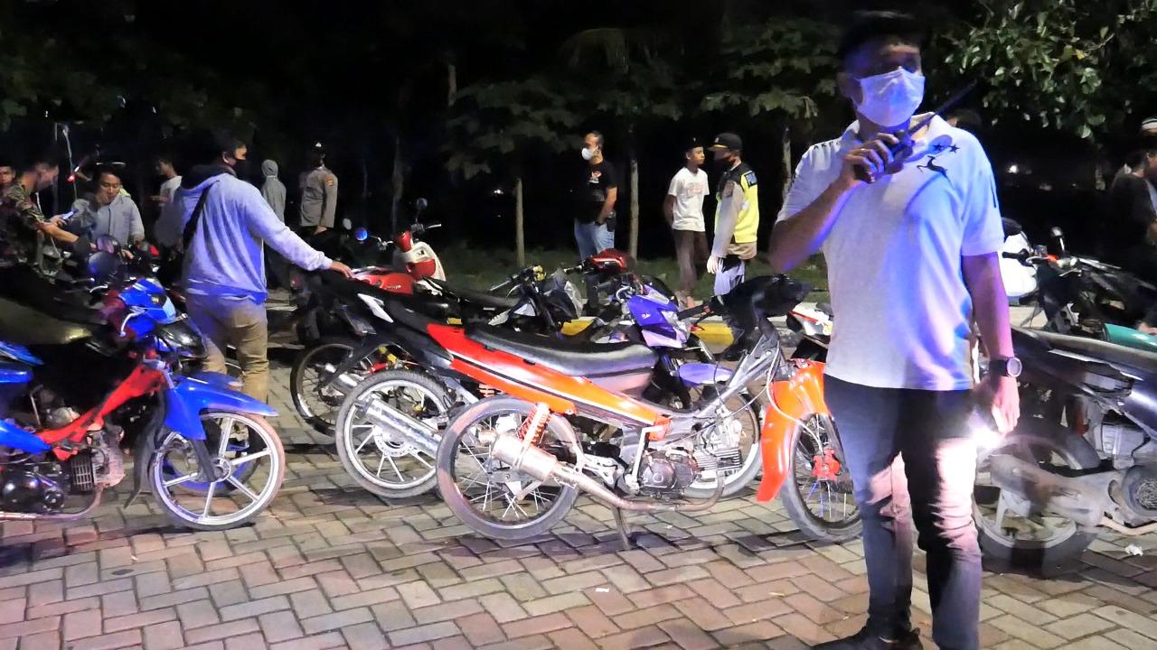 Patroli Skala Besar, TNI-Polri Amankan Puluhan motor dan Truck Di Lombok Tengah