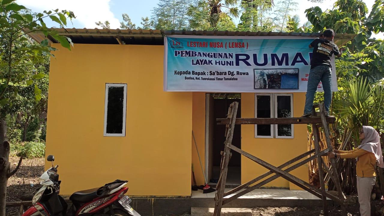 LENSA Jeneponto Resmikan dan Penyerahan Kunci Rumah Layak Huni di Tonrokassi Timur
