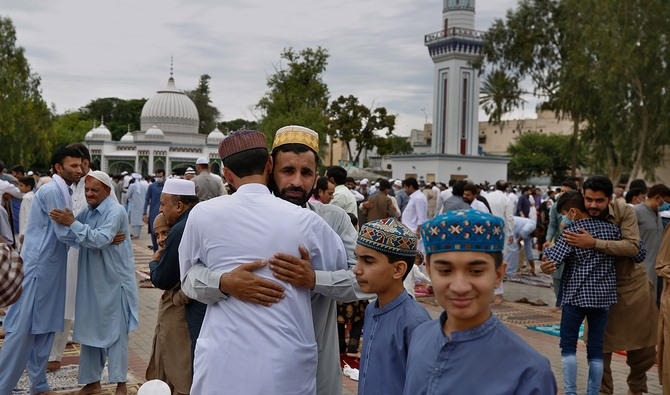 Ledakan masa lalu: Di Gwadar Pakistan menghadirkan nostalgia meriam Arab di setiap Idul Fitri