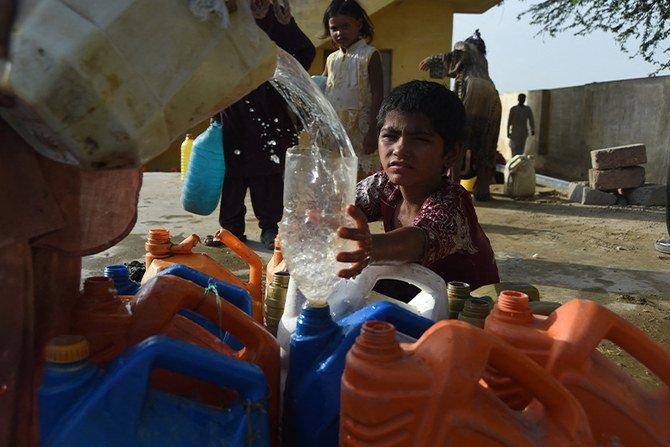 Kekurangan air membayangi di Pakistan karena suhu turun perlahan mencairnya glasial
