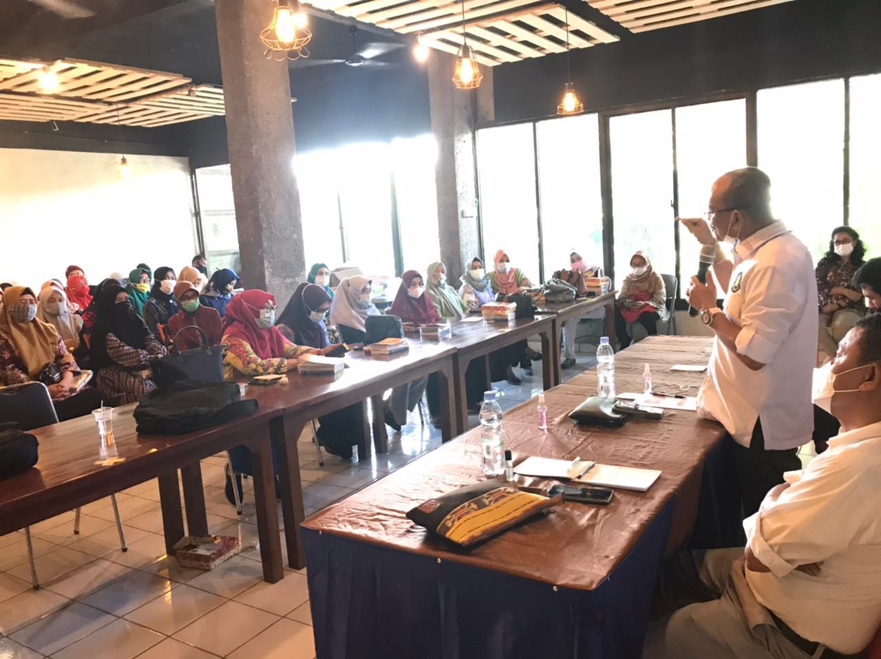 Ajiep Padindang Laksanakan Sosialisasi Empat Pilar PMR RI ke Penyuluh KB Kota Makassar