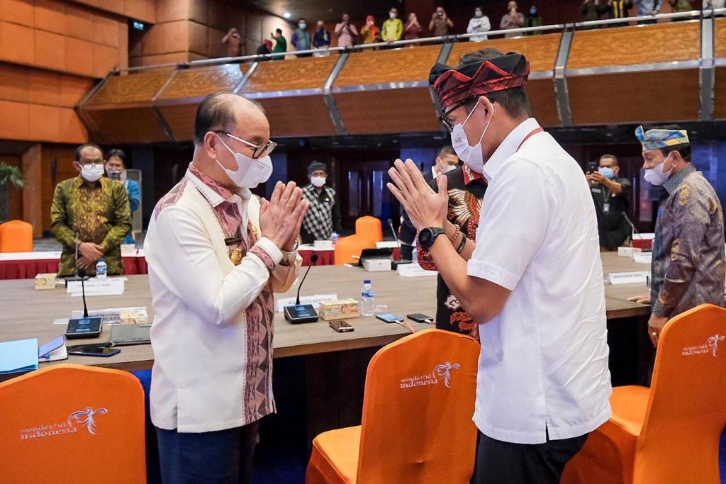 Dorong Sektor Pariwisata dan Ekonomi Kreatif, Bupati Konsel Bertemu Menteri Sandiaga