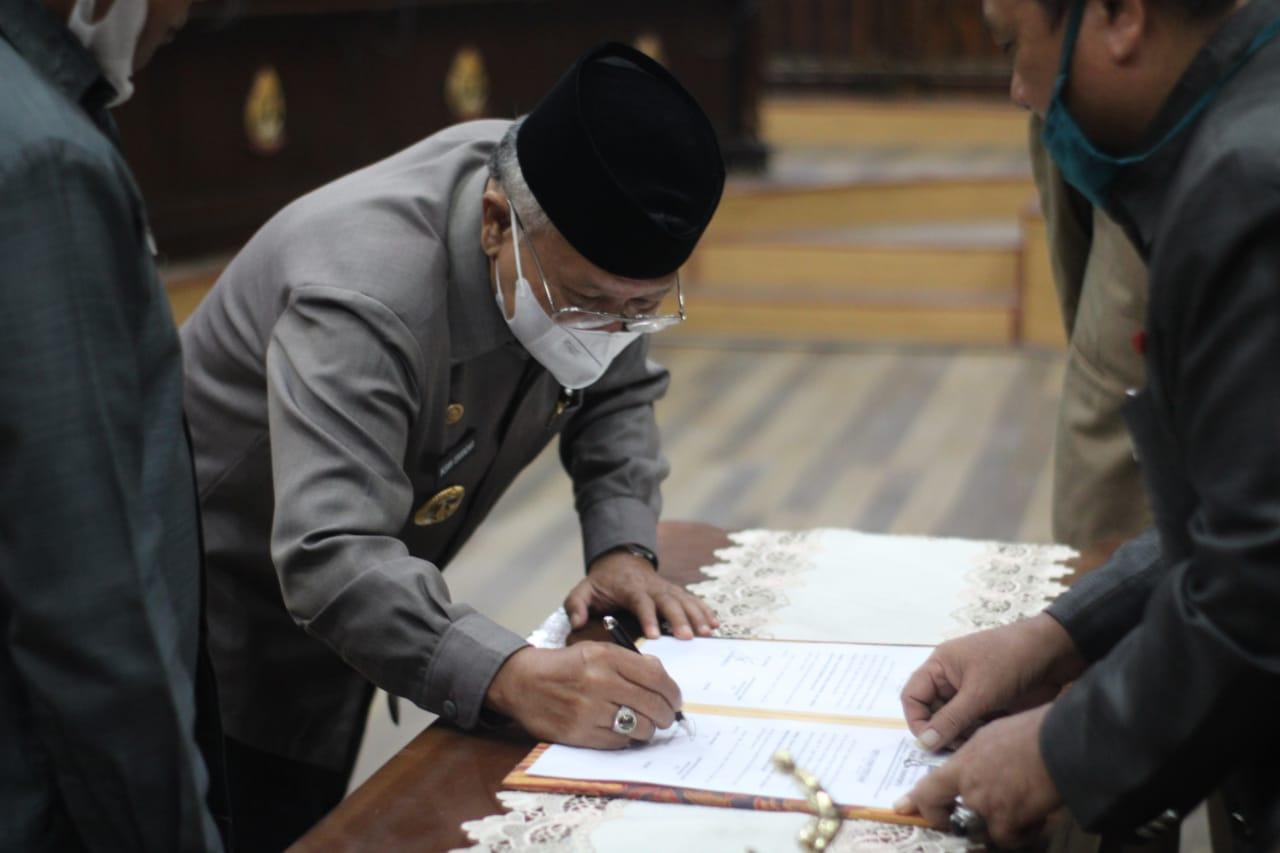 Bupati Jeneponto Hadiri Rapat Paripurna Pengesahan Ranperda RPJMD Tahun 2018-2023
