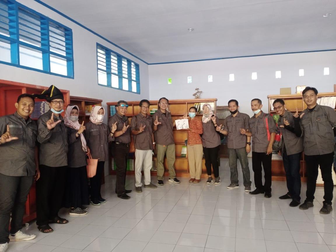 Tim Pulau DPK Provinsi Sulsel Lakukan Pembinaan Perpustakaan di Barrang Lompo
