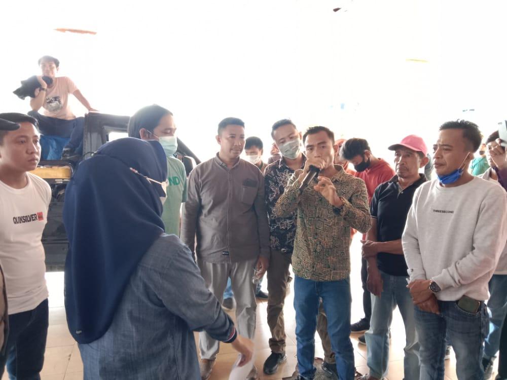 Dukung PT Asmindo, AMPPI-SULTRA Menggelar Aksi Damai di Depan Kantor Gubernur Sultra