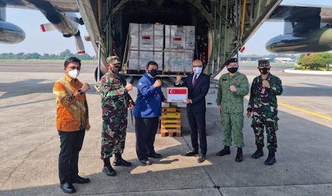 Bantu Tanggulangi COVID-19, Singapura Kirim Bantuan Ventilator dan Oksigen Ke Indonesia
