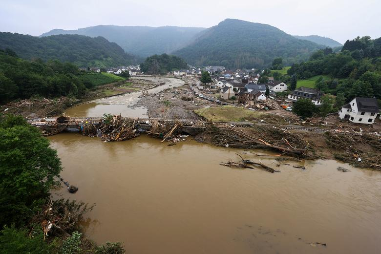 Korban tewas dari banjir Eropa mencapai 150 orang saat air surut