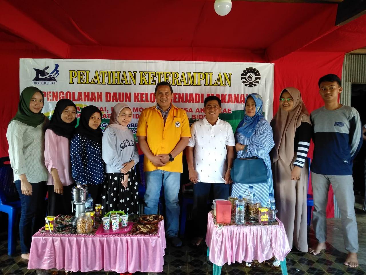 Dosen LP2M UNM Berikan pelatihan keterampilan pengolahan Tanaman Toga di Desa Damai Sidrap