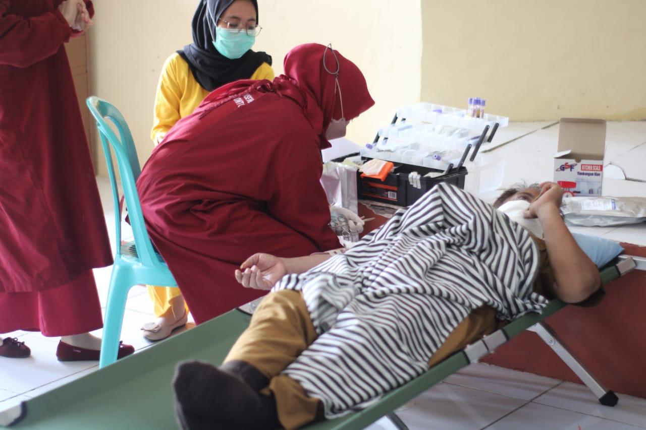 Mahasiswa KKN Unhas Kolaborasi Dengan PMI Jeneponto Gelar Donor Darah