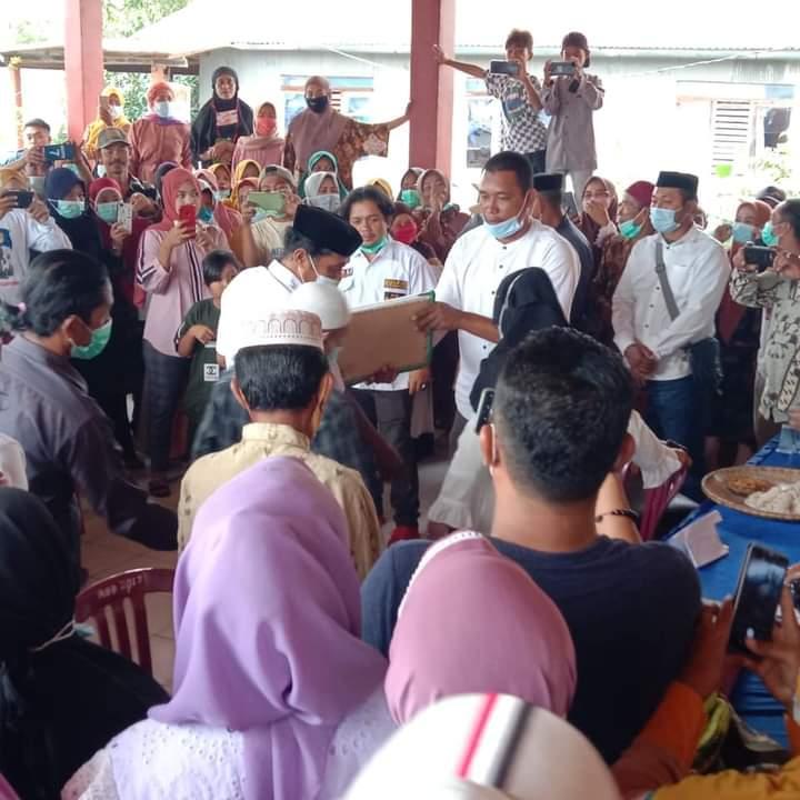 Kembali Mencalonkan Diri, Iskandar Diantar Ratusan Simpatisan saat mendaftar ke Sekretariat Panitia Pilkades