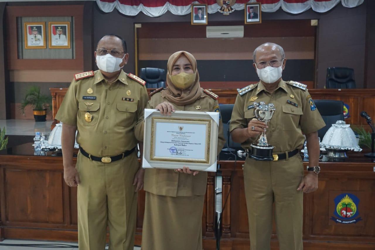 Jeneponto Raih Penghargaan Anugrah Parahita Ekapraya Dari Kementerian P3A
