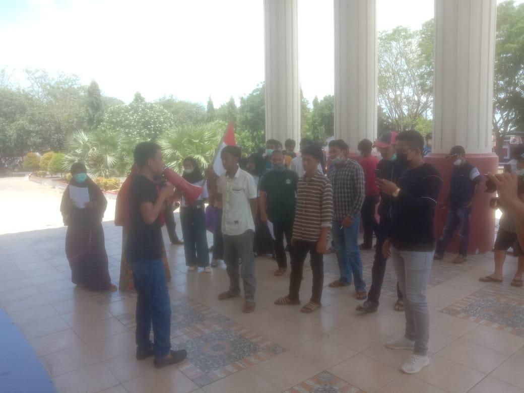 Gelar Aksi, Aliansi Pemuda dan Masyarakat Bontocini minta bubarkan panitia dan tunda pilkades Bontocini